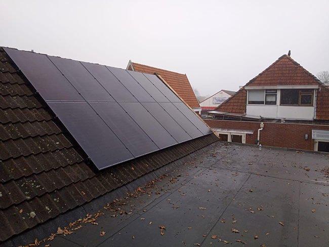 geld besparen met zonnepanelen Surhuisterveen