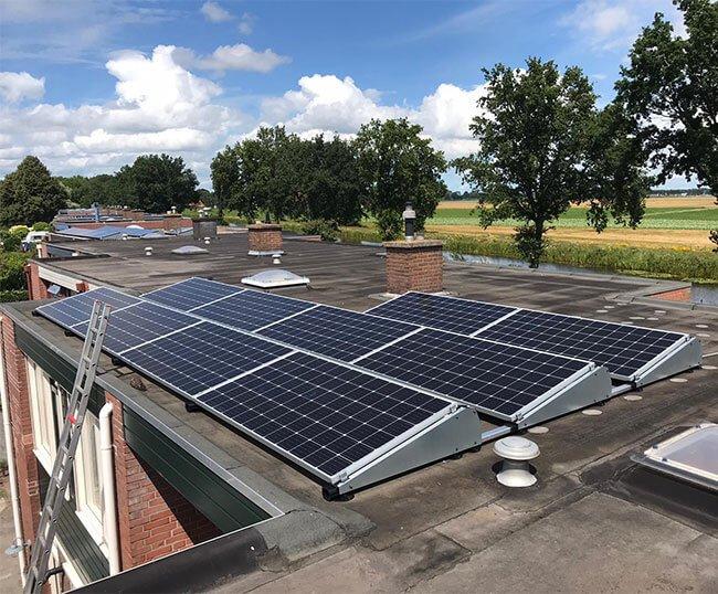 installatie zonnepanelen Surhuisterveen