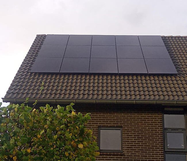 professionele zonnepanelen installatie Zuidhorn