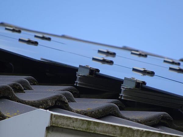 installatie van zonnepanelen Noord