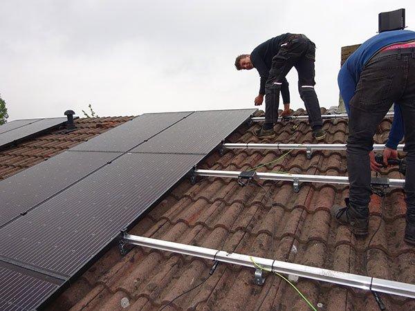 installatie van zonnepanelen in beilen