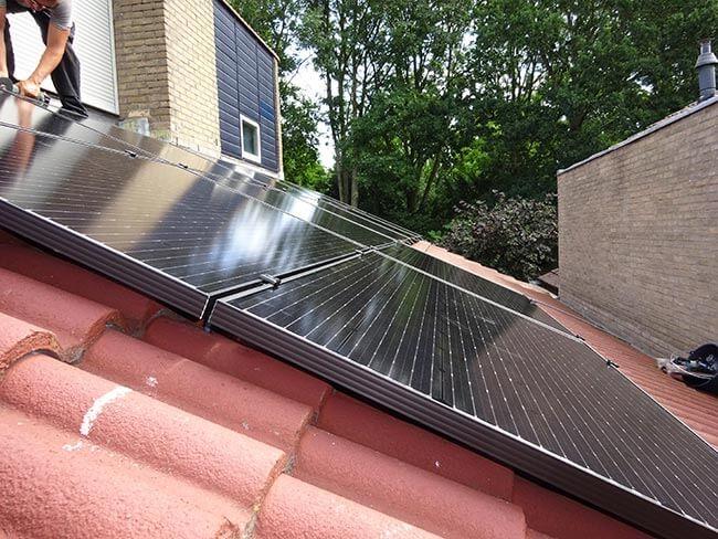 installatie van zonnepanelen in zuidlaren